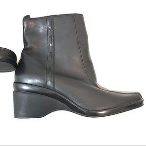 Rockport black booties Sz 9 W